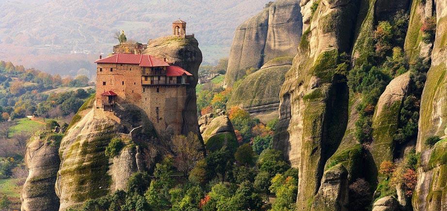 Shari Blaukopf sketching tour Greece